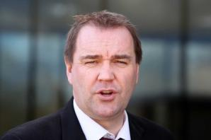 "Labour's Neil Findlay issues half-hearted retraction after calling Sturgeon a ""liar"" over tax"