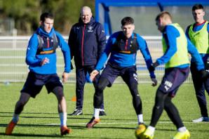 Mark Warburton calls on Rangers board to contact SPFL over Alloa's pitch change