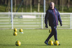 Rangers manager Mark Warburton says artificial pitches should be a thing of the past not the future